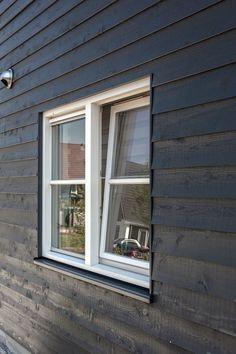 Houtskeletbouw is duurzaam en de isolatiewaarde is hoog Decor, Outdoor Decor, Home, Windows, Garage Doors, Doors