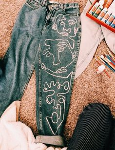 Malen Sie Hosen - # malen Sie # Hosen, Source by - Diy fashion - Diy Outfits, Cute Outfits, Diy Jeans, Diy Clothes Jeans, Thrift Clothes, Diy Urban Clothes, Jeans Refashion, Diy Fashion, Ideias Fashion