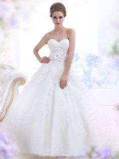 プリンセスライン  チャーペルトレーン チュール アイボリー ウェディングドレス B12139