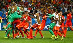 Holland v Costa Rica: World Cup 2014 quarter-final - as it happened | Scott Murray | Football | theguardian.com