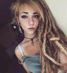 Hippie Dreads, Dreadlocks Girl, Dreadlock Hairstyles, Messy Hairstyles, White Girl Dreads, Rasta Girl, Beautiful Dreadlocks, Dream Hair, Hair Cuts