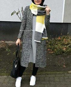 Classy Winter Coat Looks With Hijab - Zahrah Rose Modern Hijab Fashion, Street Hijab Fashion, Hijab Fashion Inspiration, Islamic Fashion, Muslim Fashion, Modest Fashion, Abaya Fashion, Style Inspiration, Hijab Chic