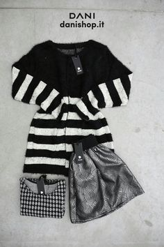 #DANI ☁ <3 ☁ BLACK IS BACK !!!  #black #stripes #gonnapallone #cropTop #pattern