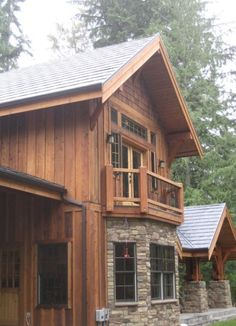 63 Ideas Exterior Wood Siding Rustic Board And Batten Log Cabin Siding, Log Cabin Exterior, Exterior House Siding, Rustic Exterior, Cedar Siding, Wood Siding, Exterior House Colors, Exterior Design, Vinyl Siding