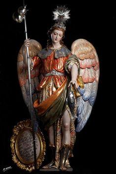Antagonismo tra due civiltà Catholic Art, Catholic Saints, Religious Art, St Raphael, Archangel Raphael, San Rafael, Christian Images, Black And White Painting, Holy Mary