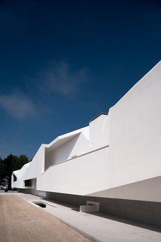 Fez House / Alvaro Leite Siza Vieira (son of Álvaro Siza)