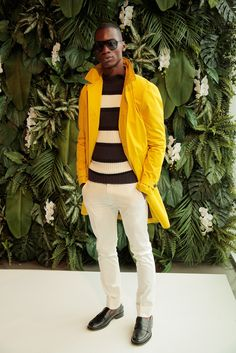 Witte chino: Tommy Hilfiger Spring 2016 Menswear Collection Photos - Vogue