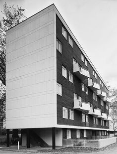wow balconies. Hallfield Estate, London