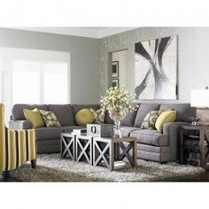 tuesday-5-29-12-custom-designed-estate-l-shaped-upholstered-sectional-i-like-the-concept-of-3-small-tables-together-to-make-a-large-coffee-table-area-this-way-if-i-want-to-open-up-the-space-im-not-loo.jpg (287×287)