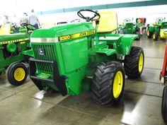 4wd John Deere Lawn Mower John Deere Garden Tractors, Jd Tractors, John Deere Lawn Mower, Lawn Mower Tractor, Small Tractors, Compact Tractors, John Deere 400, Homemade Tractor, John Deere Equipment