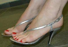 women feet in thong sandals high heels heel straps Pretty Sandals, Sexy Sandals, Mule Sandals, Sexy Legs And Heels, Hot High Heels, Barefoot Girls, Beautiful Toes, Sexy Toes, Women's Feet
