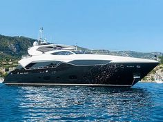 115' PREDATOR 'CHIMERA' by Sunseeker
