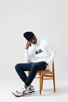 Aimé Leon Dore 2015 Fall/Winter Capsule Collection: Where quality meets simplicity. Foto Portrait, Portrait Photography Men, Photography Poses For Men, Clothing Photography, Swag Style, Poses Modelo, Mens Photoshoot Poses, Male Models Poses, Studio Poses