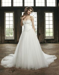 CAN'T STOP PINNING WEDDING DRESSES