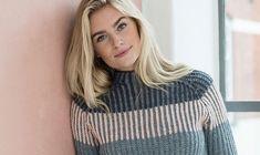 Smuk sweater i trefarvet halvpatent Cardigans, Sweaters, Alter, Knit Crochet, Crochet Patterns, Turtle Neck, Knitting, Inspiration, Clothes