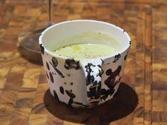 Zucchinisoppa med basilika   Recept från Köket.se Pudding, My Favorite Things, Tableware, Desserts, Food, Tailgate Desserts, Dinnerware, Deserts, Custard Pudding