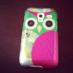 Cute phone case...loce the owl!