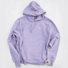 - 【CHAMPION】 RW HOODIE SWEAT for UO Exclusive-PURPLE Champion Reverse Weave Urban Outfitters Bespoke Purple-a boutique that selects items not directly released in Japan from imported items pieces boutique (pieces boutique) Cute Comfy Outfits, Sporty Outfits, Trendy Outfits, Fashion Outfits, Nike Outfits, Style Fashion, Trendy Hoodies, Cute Sweatshirts, Outfits With Hoodies