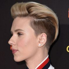 Looking for the most popular latest Scarlett Johansson short hairstyles? You can definitely find the stylish short curly hairstyles, short wavy hairstyles