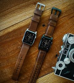 Nomad have introduced their gorgeous new leather strap for Apple Watch. The exceptional watch band is beautifully crafted from Horween leather, a material that soon develops a unique patina over time and gets even softer with regular wear. Available