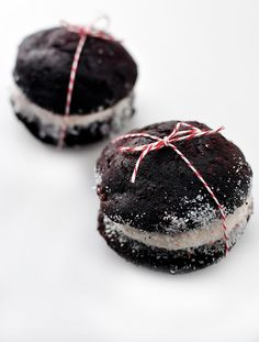 Chocolate Peppermint Cream Whoopie Pies