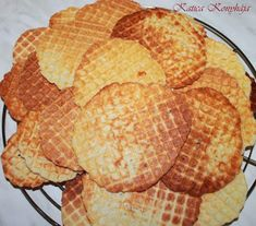 Katica konyhája: Sajtos tallér Snack Recipes, Snacks, Winter Food, Chips, Bread, Snack Mix Recipes, Appetizer Recipes, Appetizers, Potato Chip