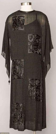 1920s Flapper Gown Deco jet earring, silk chiffon More