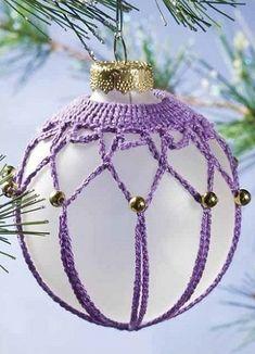 Resultado de imagen de Making Beaded Ornament Cover Christmas Tree Bulbs, Crochet Christmas Ornaments, Christmas Crochet Patterns, Holiday Crochet, Crochet Flower Patterns, Beaded Ornaments, Holiday Ornaments, Crochet Ball, Thread Crochet