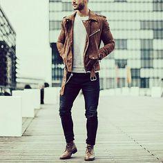 SINCE 2011 The MARC LEATHER  16 S/S  5주년 기념 기획상품 한정판매 스웨이드 카멜 바이커 자켓 제작예정  사이즈 95-100, 100-105 두사이즈 패턴작업 완료 좋은 원단과 부자재로 샘플작업중 입니다. 기대하셔도 좋습니다. ^^ #더마크 #themarc #style #fashion #look #homme #man #menstyle #바이커 #mensfashion #남자가죽자켓 #남성가죽자켓 #세무 #카멜 #바이커자켓 #스웨이드 #자체제작 #가죽 #leather #가죽자켓 #데일리룩 #dailylook #suede #suedejacket #16ss @magic_fox