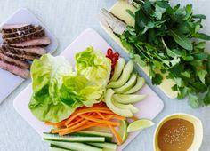 Salatruller med bøf og misomayo
