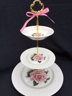 White Pink Rose Wedding Bridal 3 Tier Cake Stand Haviland | Etsy 3 Tier Cake Stand, Tiered Stand, Wedding Cake Stands, Unique Wedding Cakes, White And Pink Roses, Dessert Aux Fruits, Vintage Cake Stands, Food Trays, Dinner Sets