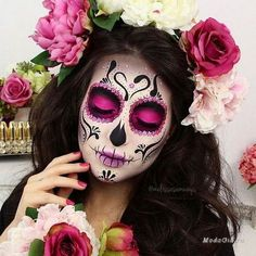 Halloween Makeup Ideas : How beautiful is this Catrina make up? We are encouraging all of our ladies & g up halloween Sugar Skull Make Up, Halloween Makeup Sugar Skull, Sugar Skull Costume, Halloween Makeup Looks, Halloween Looks, Halloween Stuff, Maquillaje Sugar Skull, Day Of Dead Makeup, Halloween Makeup
