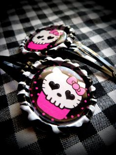 Hello Kupcake hair clips. ::Meow::