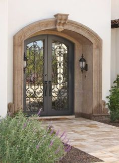 New entrance door ideas columns Ideas Front Door Entrance, Front Door Trims, House Entrance, Entry Doors, Entrance Design, Front Door Design, Spanish House, Spanish Style Homes, Decoration Entree