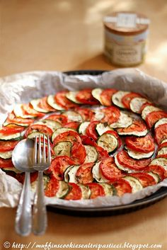 Zucchine e pomodori.  looks like the meal from the movie ratatouille;)