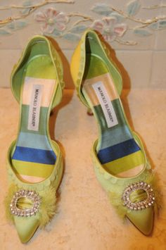 New-MANOLO-BLAHNIK-Jeweled-Dorsay-Light-Green-Satin-Heels-SHOES-37-6-5