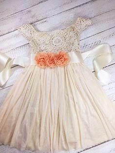 Resultado de imagen para boho flower girl dresses