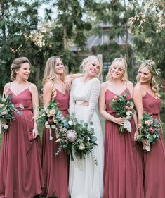 Top 4 fall wedding color combos to steal. forever crushing on you vintage boho wedding bridesmaids in dusty rose dresses Red Bridesmaids, Burgundy Bridesmaid Dresses, Wedding Bridesmaid Dresses, Vintage Style Bridesmaid Dresses, Bridesmade Dresses, Wedding Bouquets, Vintage Dresses, Boho Wedding, Dream Wedding