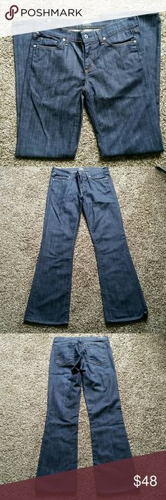 """Citizens of Humanity Amber bootcut jeans 29x31 Medium wash, medium rise Amber style bootcut jeans from Citizens of Humanity. Waist 29"""", inseam 31"""", 8.5"""" rise. Excellent used condition.   Proceeds from the sale of this item benefits Wearwoof, a fundraising partner of animal rescues and shelters in southwestern Pennsylvania. For more information about Wearwoof, please visit wearwoof.org. Citizens of Humanity Jeans Boot Cut"""