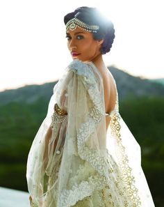 Not sure if this is actually a wedding outfit, but it's gorgeous!