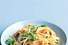 This 20-minute Asian-inspired dinner traditionally uses rice noodles, but fettuccine is a delicious substitute.