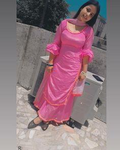 Punjabi Girls, Punjabi Dress, Korean Beauty Girls, Beauty Full Girl, Asian Beauty, Beautiful Girl Body, Beautiful Models, Beautiful Women, Simple Kurta Designs