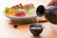 Sashimi is sliced raw fish such as tuna, shrimp and cuttkefish. Sashimi, Japanese Food, Chocolate Fondue, Tuna, Shrimp, Fish, Desserts, Tailgate Desserts, Deserts