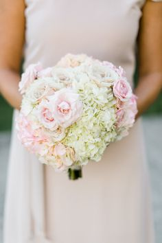 Photography : Caroline Lima Photography Read More on SMP: http://www.stylemepretty.com/north-carolina-weddings/charlotte/2016/03/28/elegant-and-classic-summer-wedding/