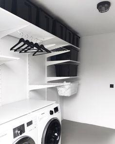 binnenkijken bij manieke #interieurinspiratie #homedeconl Ikea Pantry, Pantry Laundry Room, Laundry Room Design, Pantry Inspiration, Laundry Room Inspiration, Home Interior, Interior Design Living Room, Living Room Designs, Küchen Design