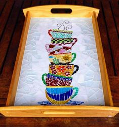 Paty Shibuya: Artes com MosaicoFun tray mosaic with a stack of teacupsLooks like an invitation to a tea party. Mosaic Tray, Mosaic Tile Art, Mosaic Crafts, Mosaic Projects, Mosaic Glass, Glass Art, Stained Glass, Mosaic Designs, Mosaic Patterns