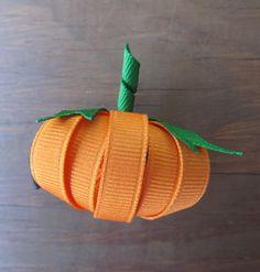 Cute pumpkin hairbow!