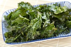 Chili Lime Kale Chips Kale Chip Recipes, Snack Recipes, Breakfast Recipes, Cooking Recipes, Healthy Snacks, Healthy Recipes, Healthy Eats, Meatless Recipes, Healthy Breakfasts