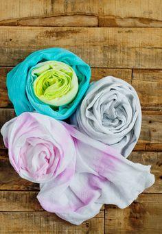 10 Creative Hostess Gift Ideas: Homemade Scarves