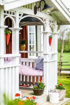 Porch I adore this Cottage Porch, Cozy Cottage, Scandinavian Garden, Scandinavian Design, Porches, Swedish Cottage, Sweden House, Porch And Balcony, Backyard Studio